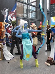 Opal (Docking Bay 93) Tags: new york woman giant insect comic cosplay queen aimee mann pearl steven amethyst universe comiccon comicon con 2014 nycc fourarmed hanari502