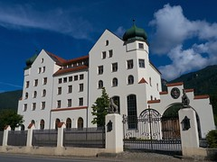 Alte Schlossbrauerei Hohenaschau (Luminator-Blickwinkel) Tags: oberbayern architektur brauerei chiemgau hohenaschau bauarchitektur schlossbrauereihohenaschau