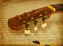 Mi Lucille (Jos Luis Prez Navarro) Tags: music stilllife texture textura nikon guitar guitarra musica bodegon headstock scores 2014 pua guitarpick d60 ruby3 partituras clavijero blacky2007 platinumheartaward flickrestrellas quarzoespecial josluisprez