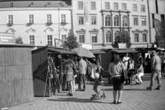 Elikon 35S - Sunday Street Stroll 2 (Kojotisko) Tags: street city people streets vintage person czech streetphotography brno cc creativecommons vintagecamera czechrepublic streetphoto persons elikon elikon35s