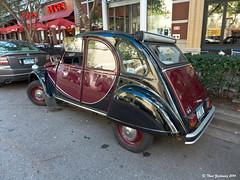 Citroen 2 CV (Thad Zajdowicz) Tags: street leica city urban classic car vintage french automobile citroen maryland transportation 2cv bethesda zajdowicz