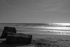 Bunker (Cilcgaillard) Tags: bw mer france canon flickr sable nb bunker medoc vague plage aquitaine montalivet cecilegaillard cilcgaillard