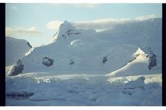 1998_12-006-25-G (becklectic) Tags: antarctica 1998 iceberg icefloe views100 antarcticpenninsula worldtrekker
