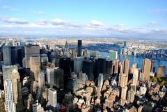 Empire state building (Maria Eklind) Tags: sky newyork buildings view manhattan hudsonriver empirestatebuilding skyscrapes
