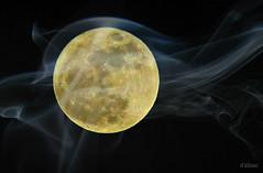 La bolita amarilla (Franco D´Albao) Tags: francodalbao dalbao lumix luna moon selene satélite bola ball lunar esfera sphere