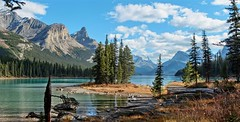 Spirit Island in Maligne Lake, Jasper National Park, Alberta, CA (André-DD) Tags: cans2s canada kanada urlaub vacation malignelake lake see spiritisland berge mountains berg mountain wasser water island insel alberta natur nature panorama outdoor jaspernationalpark nationalpark jasper