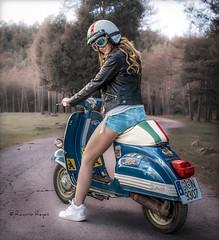 Una carrera? (Raelser (Ramiro)) Tags: moto vespa carrera chica girl rider road trip travel dreams beauty amazing carretera italia españa ruedas