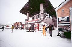 (- Dolce Vita -) Tags: fuji rvp 100 velvia japan hokkaido niseko hirafu film analog winter leica m6 voigtlander 15mm superwideheliar