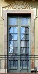 Barcelona - Bòria 017 c (Arnim Schulz) Tags: modernisme barcelona artnouveau stilefloreale jugendstil cataluña catalunya catalonia katalonien arquitectura architecture architektur spanien spain espagne españa espanya belleepoque window fenster ventana finestra fenêtre art arte kunst baukunst modernismo gaudí liberty ornament ornamento