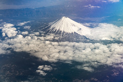 mont Fuji (emmrichard) Tags: architectureetbâtiments japanairlines japon lieux pays transports airplane avion flight japan montfuji mountfuji mountains 富士山
