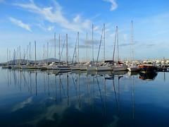 ♪♫•*¨*•.¸¸ Il mare calmo della sera.. (antonè) Tags: alghero porto mare barche riflessi sardegna antonè