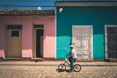 Trinidad, Cuba (۞ Sooty ۞) Tags: leica q summilux f17 17 28mm 28 asph type 116 hemingway trinidad cuba lonely planet pink aqua man bicycle pastel
