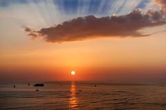 Waikiki Sunset (Ron Scubadiver's Wild Life) Tags: landscape sea sky clouds nikon sunset waikiki hawaii 70300