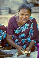முகம் (Kals Pics) Tags: eyes face portrait cwc chennaiweekendclickers roi rootsofindia happiness smile kasimedu royapuram chennai india tamilnadu saree playingcards life people culture happy sari eyesthatspeak expressions kalspics
