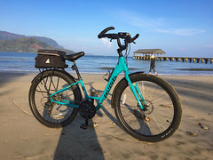 Roll On The Bay (Fotomai) Tags: cruiserbike bicycle beach hanalei cruiser balloontirebike specialzedroll