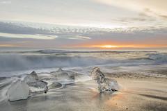Jökulsárlón (impodi@gmail.com) Tags: islandia iceland jökulsárlón hielo ice glaciar mar sea playa sunset icebergs breiðamerkurjökull vatnajökull skaftafell höfn