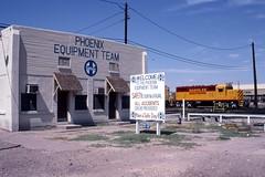 Santa Fe Southern GP16 makes a visit to Santa Fe's Mobest Yard in June 1994. (DTR CEO) Tags: train locomotive santafe southern mobest phoenix arizona yard santafesouthern emd gp16