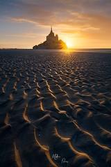 Des vagues d'or (Mathieu Rivrin - Photographies) Tags: france normandie normandy manche mont saintmichel saint michel sunset coucher du soleil sand sable rivrin sony a7rii a7r2