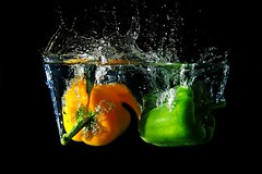 splash pepper (der__marcus) Tags: splash pepper water spritzer