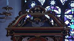 Rinteln, Niedersachsen, Nikolaikirche, altar, top (groenling) Tags: rinteln niedersachsen deutschland germany de nikolaikirche altar retable altaraufsatz wood carving woodcarving holz god gott angel engel cherub putto