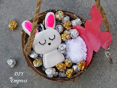How to make a cute easter gift basket with DIY easter gifts 31 (DIY Empress) Tags: diy easter easterdiys happyeaster cute eastergifts giftbasket howto tutorial beautiful bunnies easterbunnies bunny blogger inspiration make basket bunnykeychain keychain necklace polymerclay mseal creativityfound pompom