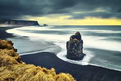 Vik Islande (EtienneR68) Tags: city colors vik landscape montagne sea bleu blue eau mer mountain nature marque a7r2 a7rii pays iceland islande
