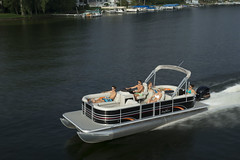 2017 Sunchaser Classic 8522 Sport (thebestboatbrands) Tags: 2017 sunchaser classic 8522 sport
