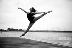 Laura Torrero (Julia L.S) Tags: dancer bailarina girl chica cadiz puertoreal ballerina andalucia portrait retrato blancoynegro blackandwhite jump salto puntas mallot mallotballet 50mm18 canon50mm18 ríosanpedro