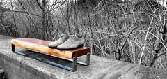shoerack locust wood (Treeaddict) Tags: wood design furniture local locust mbel simple rainer schuhe solid flur smoked shoerack rosenheim massiv handarbeit schuhregal handbuild hallmann baumkante treeaddict