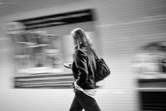 monochrome fuji smartphone x100s (Photo: Luca.Pietrobono on Flickr)