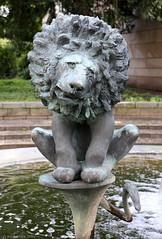 Bürgerbrunnen detail (Rick & Bart) Tags: city sculpture detail fountain statue bronze germany deutschland brunnen osnabrück oldcity brons bürgerbrunnen rickbart rickvink citizinsfountain