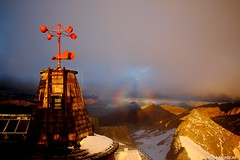 Alter Messturm mit Aureole (bergfroosch) Tags: aureole sonnblick sonnblickobservatorium windmessgerät