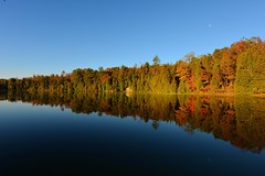 Crawford Lake (meoko) Tags: autumn ontario milton crawfordlake earlymorningsun haltonconservation