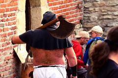 Move, people! Move! (Archbishop of Zagreb) Tags: croatia zagreb axe hrvatska executioner hairyback medievalfestival medvedgrad utvrda sjekira srednjovjekovnisajam dlakavaleća krvnik