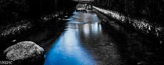 Emphasis Flow (Ukelens) Tags: light shadow water fountain stone lights schweiz switzerland wasser shadows swiss brunnen steine bern stein schatten emphasis lightroom berncity betonung ukelens