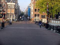 Amsterdam (mi chiel) Tags: holland amsterdam centre nederland thenetherlands magerebrug brug mokum centrum ams kerkstraat amstel 020 fietser slagbomen
