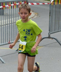 Green (Cavabienmerci) Tags: boy sports boys sport race children schweiz switzerland kid à child suisse running run lausanne course runners pied runner triathlon laufen triathlete 2014 läufer lauf triathletes