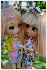 Bubaloo (mia) y Haruka (de abramcitopullipero) ( Natsumi333 ) Tags: photography nikon dolls kedada pullips parquedeloeste natsumi airelibre dollsmeeting natsumi333