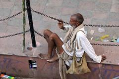 IMG_2186 (CALLEJERO ERRANTE) Tags: woman india man colors children child delhi religion agra varanasi hindu buddism buddist kolkata calcutta hindi orccha puskar jaiupur bodygaya