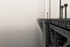 The gate to nowhere (BW version) (Guillaume DELEBARRE (off for a while)) Tags: goldengate sanfrancisco noiretblanc nb usa america amérique pont bridge canon 6d tamron2470f28 fog brouillard mood atmosphere blackandwhite california californie brume
