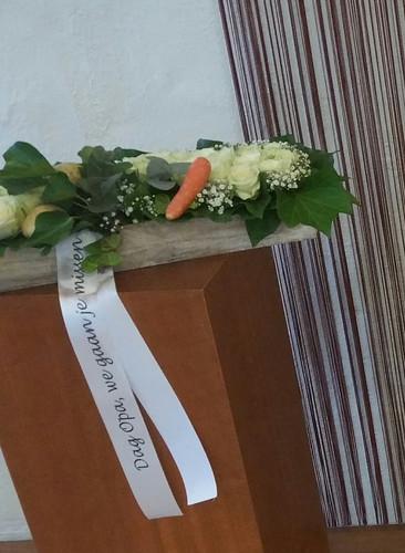 45mm wit rouwlint met zwart bedrukt