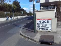Panneau béton Michelin Indicateur routier (couvrat.sylvain) Tags: panneau béton michelin rambouillet