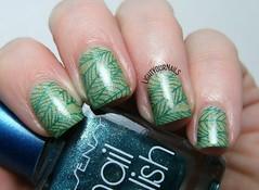 Green leaves nail art (Simona - www.lightyournails.com) Tags: green stamping bornprettystore liquidskylacquer esmalte smalto unghie manicure vernis nails nailpolish nagellack naillacquer nailart nailstamping