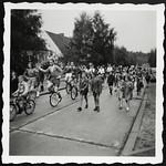 Archiv M258 Die Einradshow, 1950er thumbnail
