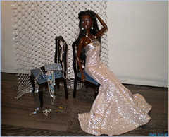 Perfect Picture Cycle 5 - Round 3: Metallic (Mary (Mária)) Tags: barbie mattel doll fashion high pink metallic sindypedigree jewelry jewelrybox chair dress gown diorama miniatures scene model silver mary chandra sis soinstyle mbili perfectpicutre ballet