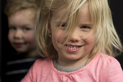 Sienna (and Toby) (explored) (Niek Goossen) Tags: children portret sienna toby grandchildren