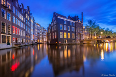 Amsterdam (luis augusto santos) Tags: amsterdam blue hour houses reflections canals bridges