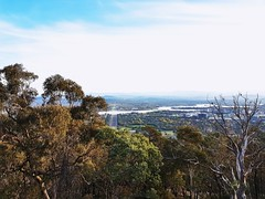 The view from the top of Mount Ainslie in Canberra in the Australian Capital Territory (Luke O'Rourke) Tags: canberra mountainslie act australia australiancapitalterritory mountain hill view