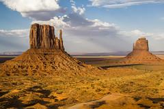 Monument Valley, sunset, DSCN4797 (birgitmischewski) Tags: rocks felsen landschaft outdoor tal monumentvalley valley