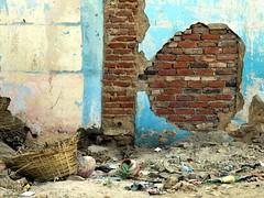 bundi 2015 (gerben more) Tags: wall trash india bundi